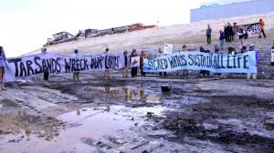 Una accion recien al sitio de la mina.